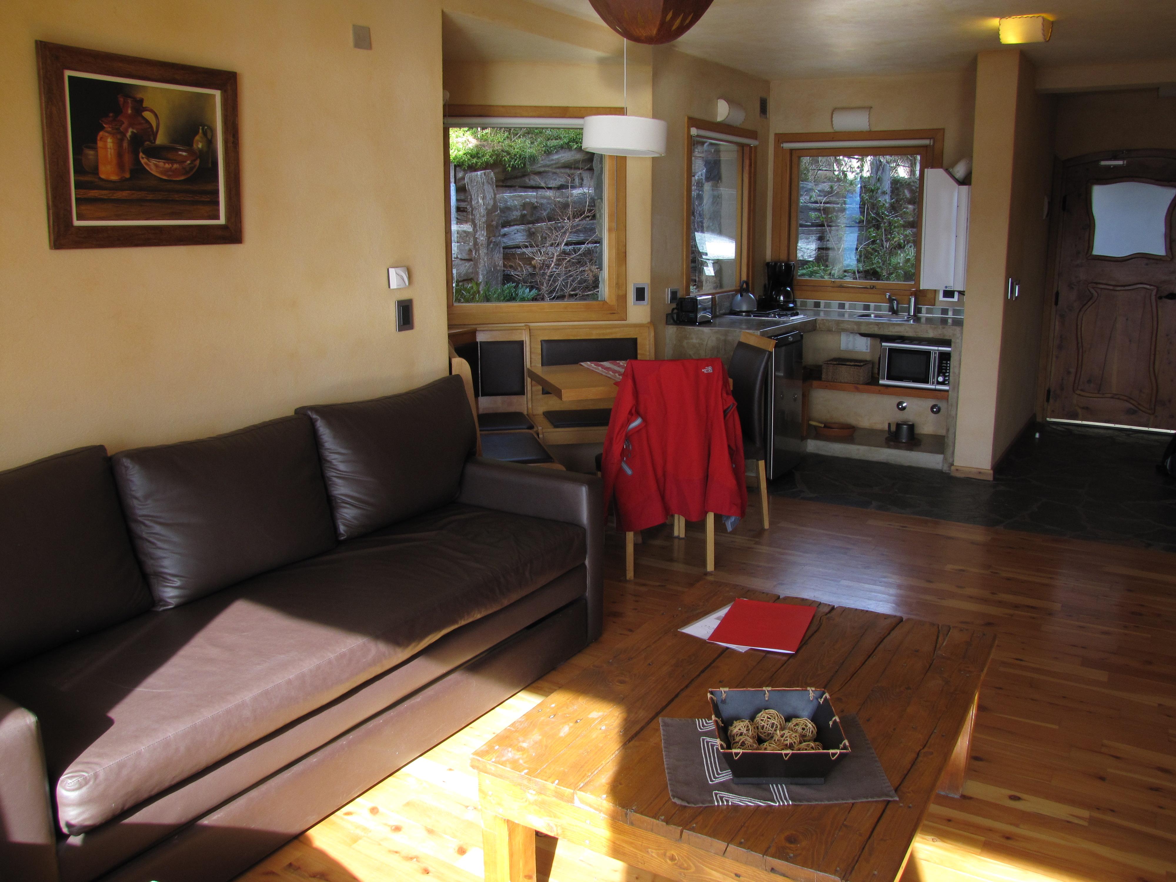 #C18C0A Hotel Lirolay em Bariloche – uma cabana de montanha para chamar de  474 Janelas Duplas Madeira