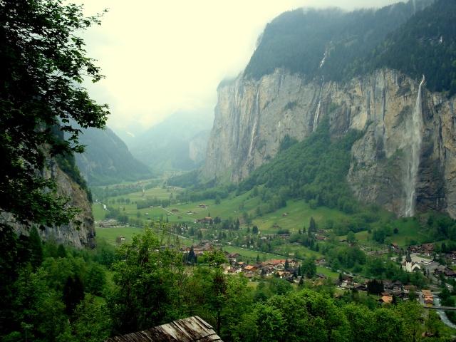 Vista do vale de Lauterbrunnen - de tirar o fôlego