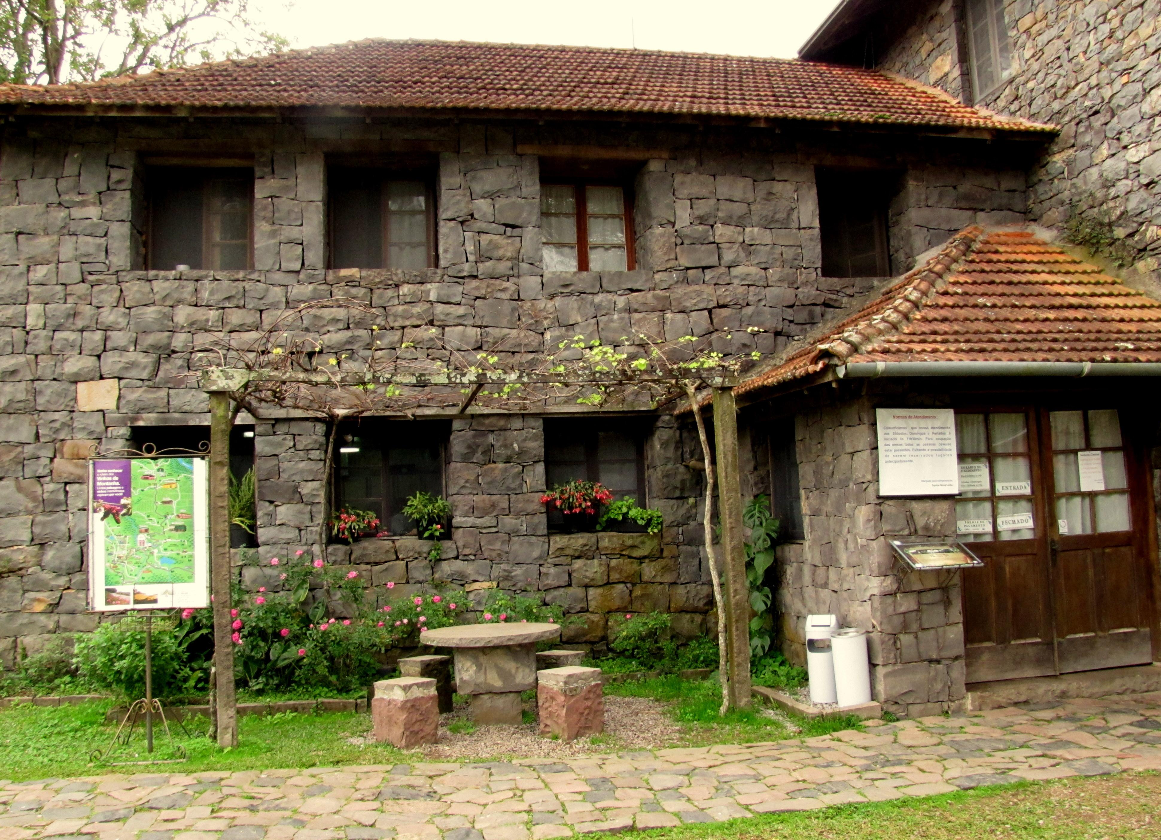 Bento gon alves no outono os caminhos de pedra de - Casas de campo restauradas ...