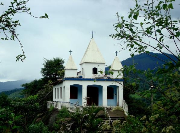 Igreja na entrada do Caminho do Ouro