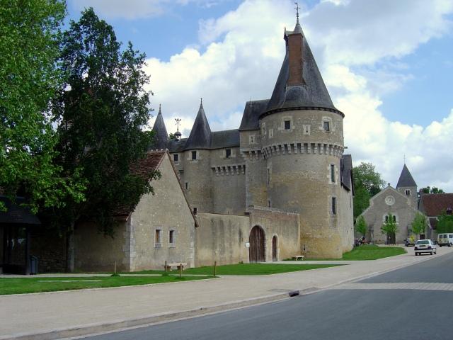 Mais um château num vilarejo qualquer