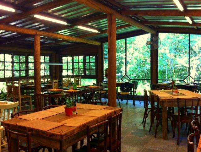 Salão interno do restaurante