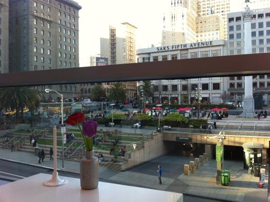 Union Square vista de uma das mesas da Tout Sweet