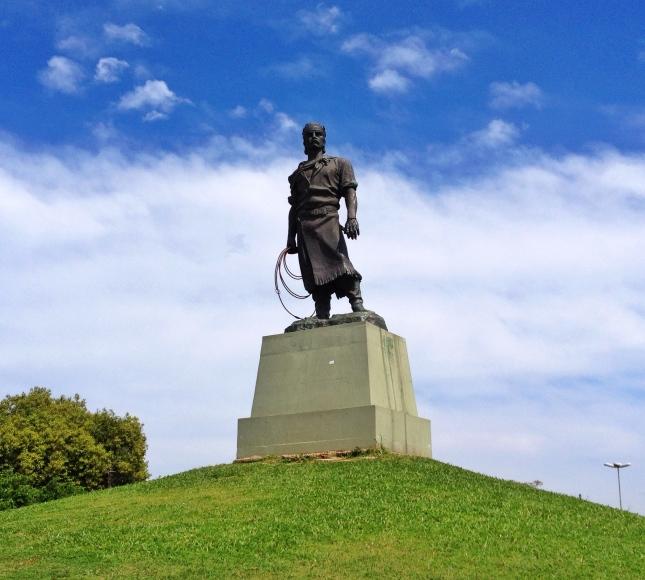 monumento laçador porto alegre